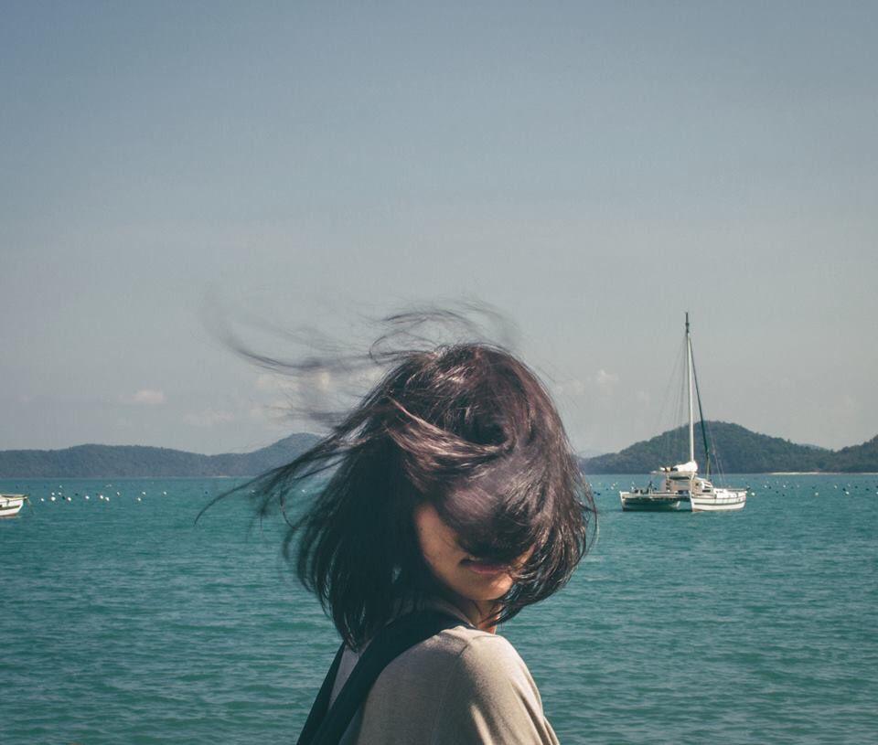 Fotografi Perjalanan Gaya Rambut Pendek Fotografi