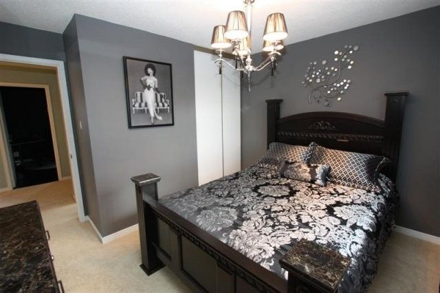 Gray Walls And Black Furniture Guest Room A Contemporary Twist On The Traditional Bedroom Tradi Grey Bedroom Design Traditional Bedroom Gray Bedroom Walls