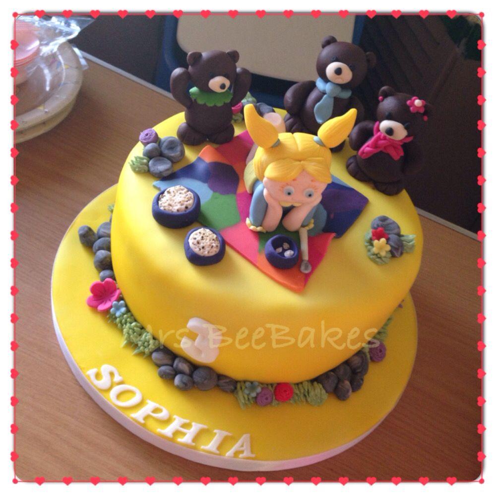 A 9 Victoria Sponge With A Goldilocks And The Three Bears Theme