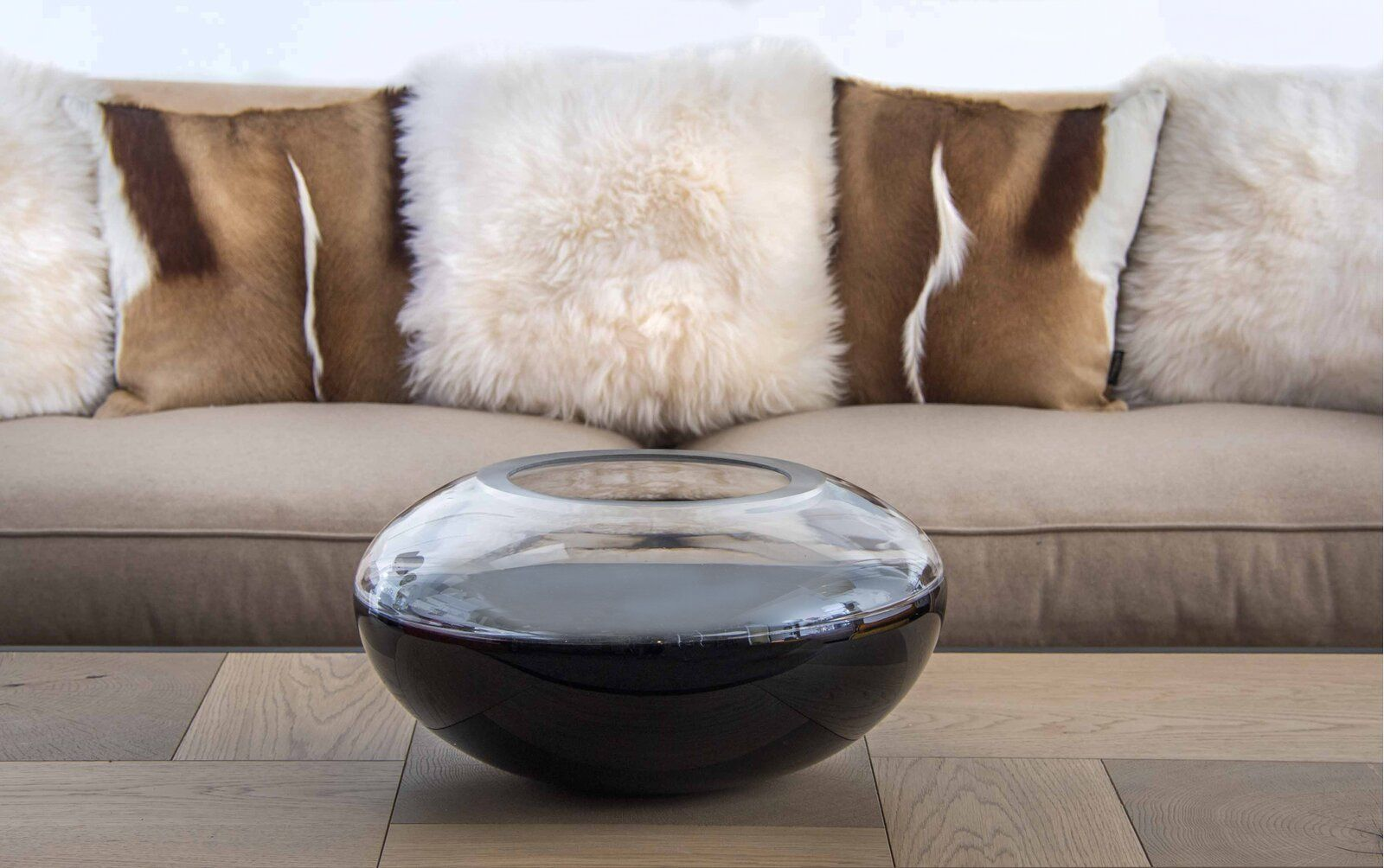 "Obsidian 9"" Indoor / Outdoor Glass Table Vase"