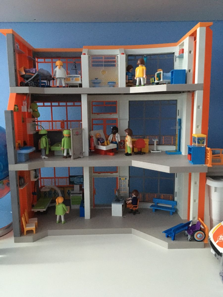 Playmobil hospital set up in 2020 Home decor, Loft bed, Home