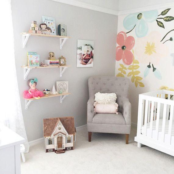 Mural infantil de flores para la habitaci n del beb for Murales habitacion bebe