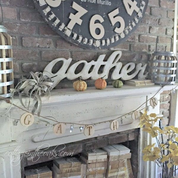 Simple Autumn Mantel Ideas