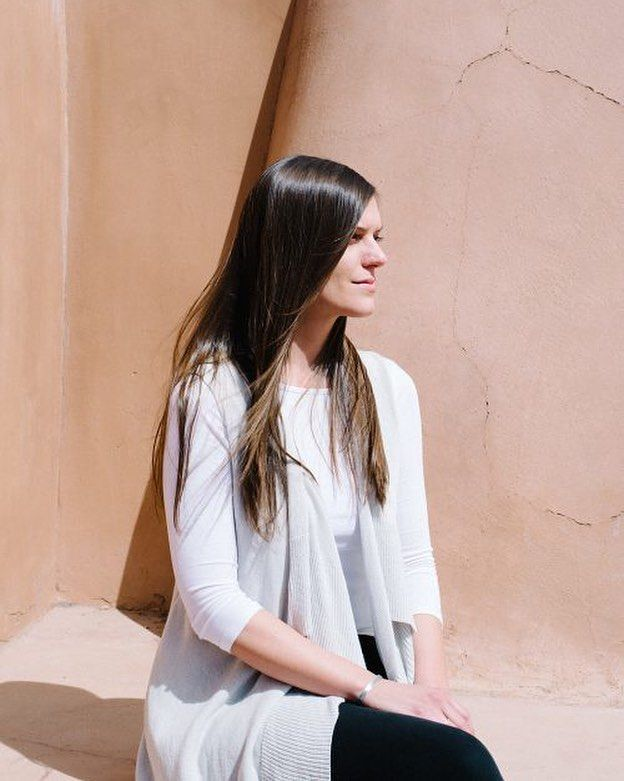"""""""As an expert in the art world she is making it her business to demystify Santa Fe as an art destination with her inspiring one-woman company @santafearttours."""" True story. The @needsupply blog interviewed our own @elaineritchel and she mentioned us among her favorite Santa Fe art groups. So honored to work with this fantastic writer and arts educator. Check out the post.  http://ift.tt/1SLbrqf #art #santafenm #simplysantafe #howtosantafe #santafearttours #artnews #needsupply #artgram by…"""