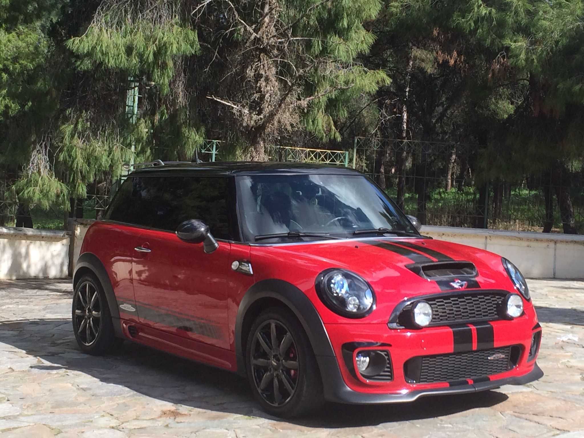 3bb81c0cbe15f4442f4ccdc2382585ae jpg 938 704 pixel mini pinterest red black mini cooper sport and sports cars