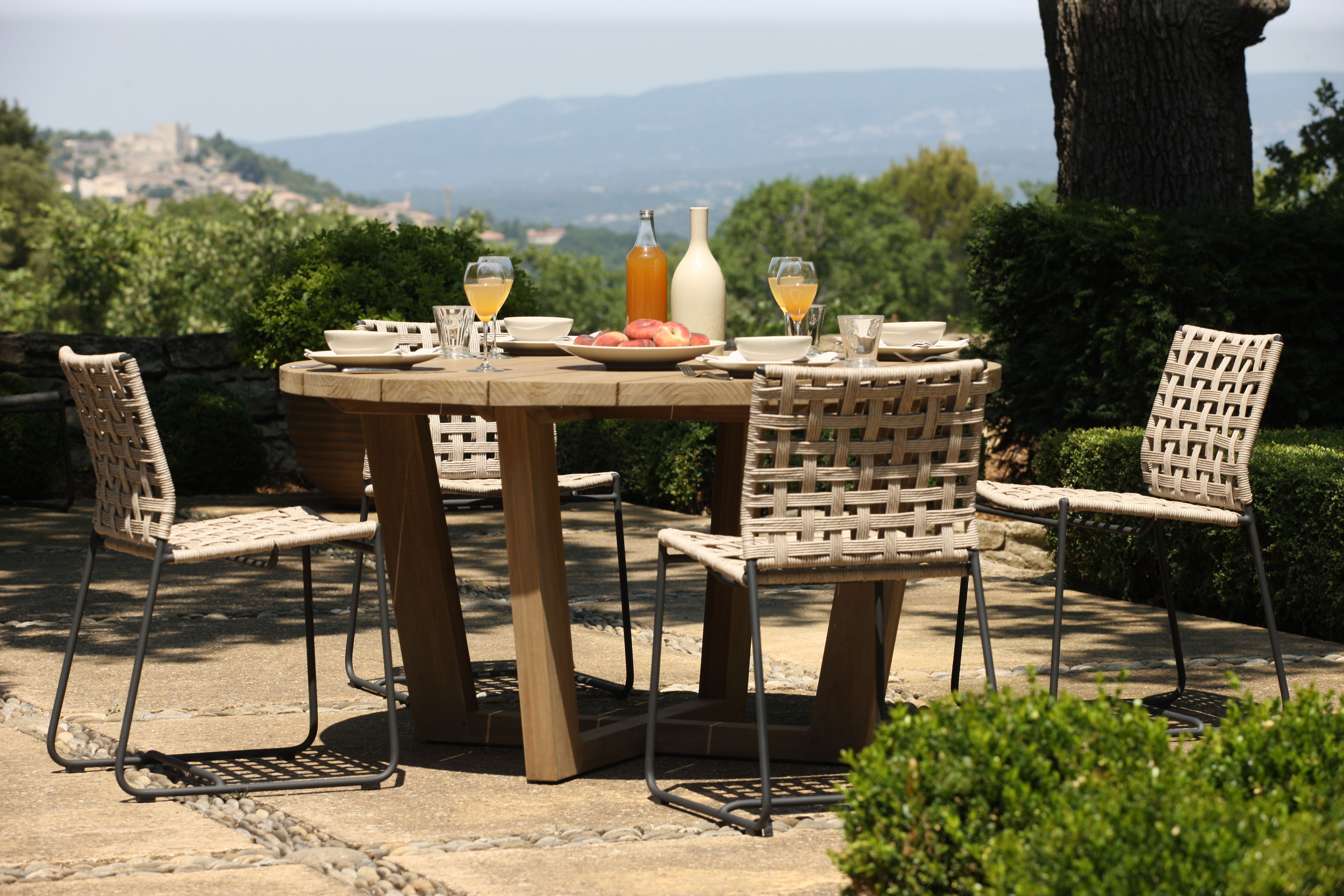 Enjoy Brunch Outdoors More Often With This Amazing Dining Set That