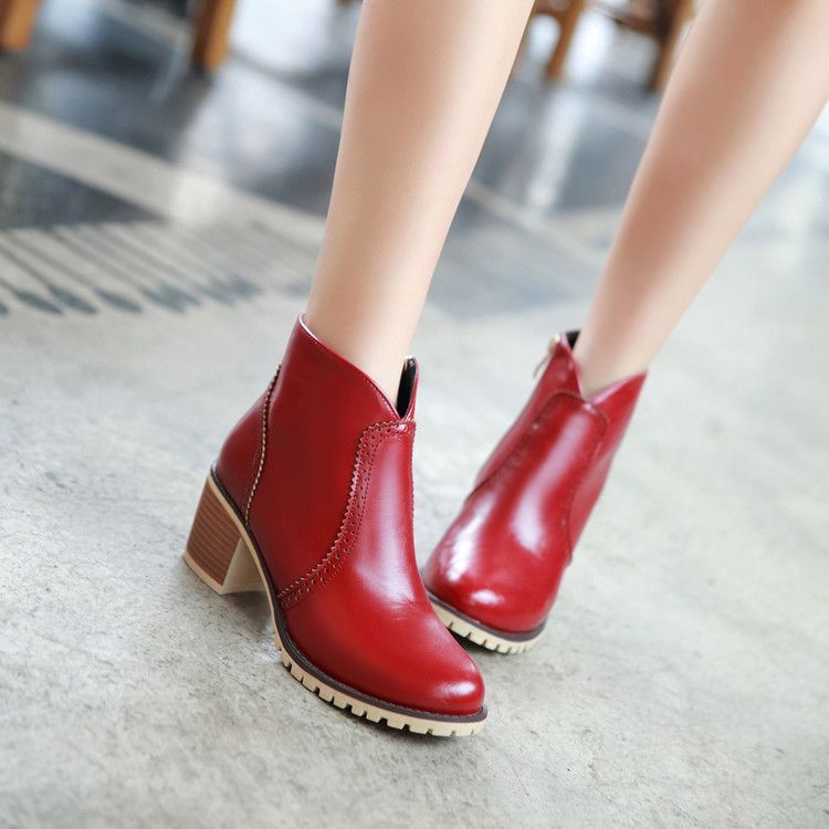 da596cb2ee2 Heel Height  6 cm Platform Height  - cm Shaft  12 cm Round  31 cm Color   Red