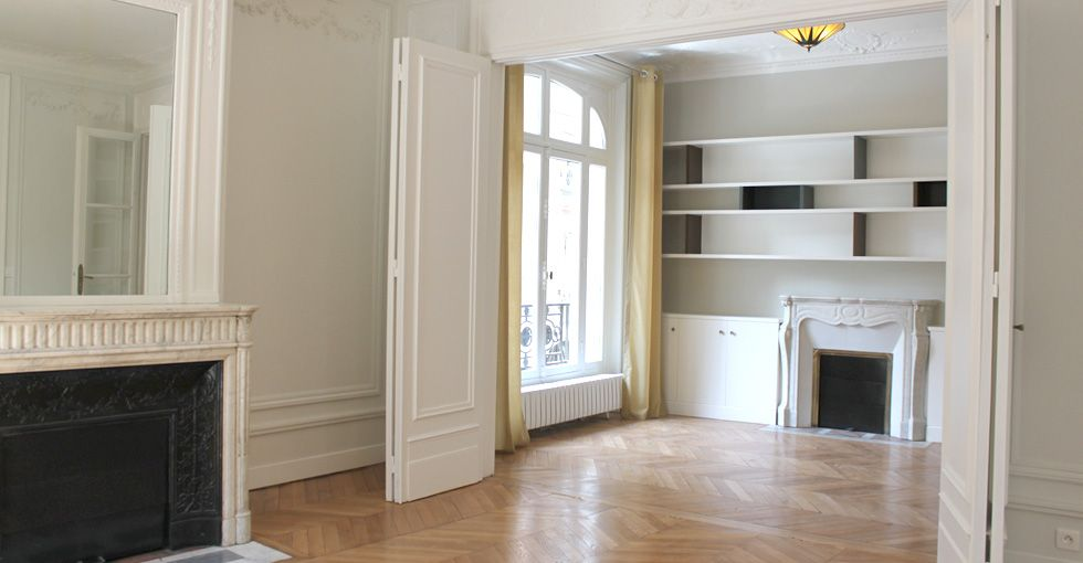 un appartement haussmannien dans le style art d co. Black Bedroom Furniture Sets. Home Design Ideas