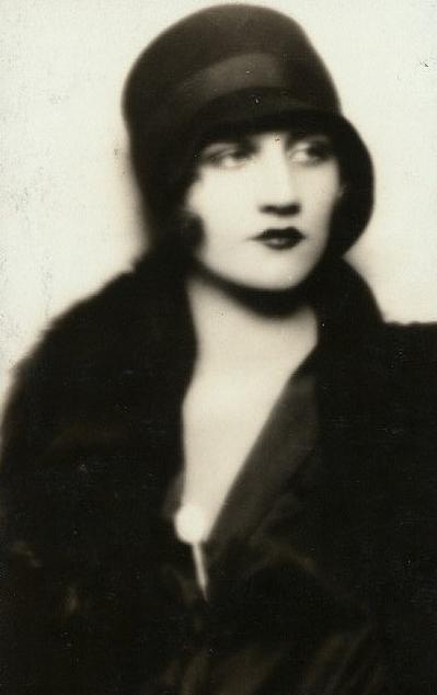 vintage woman portrait Beauté vintage, Vendanges et Beauté