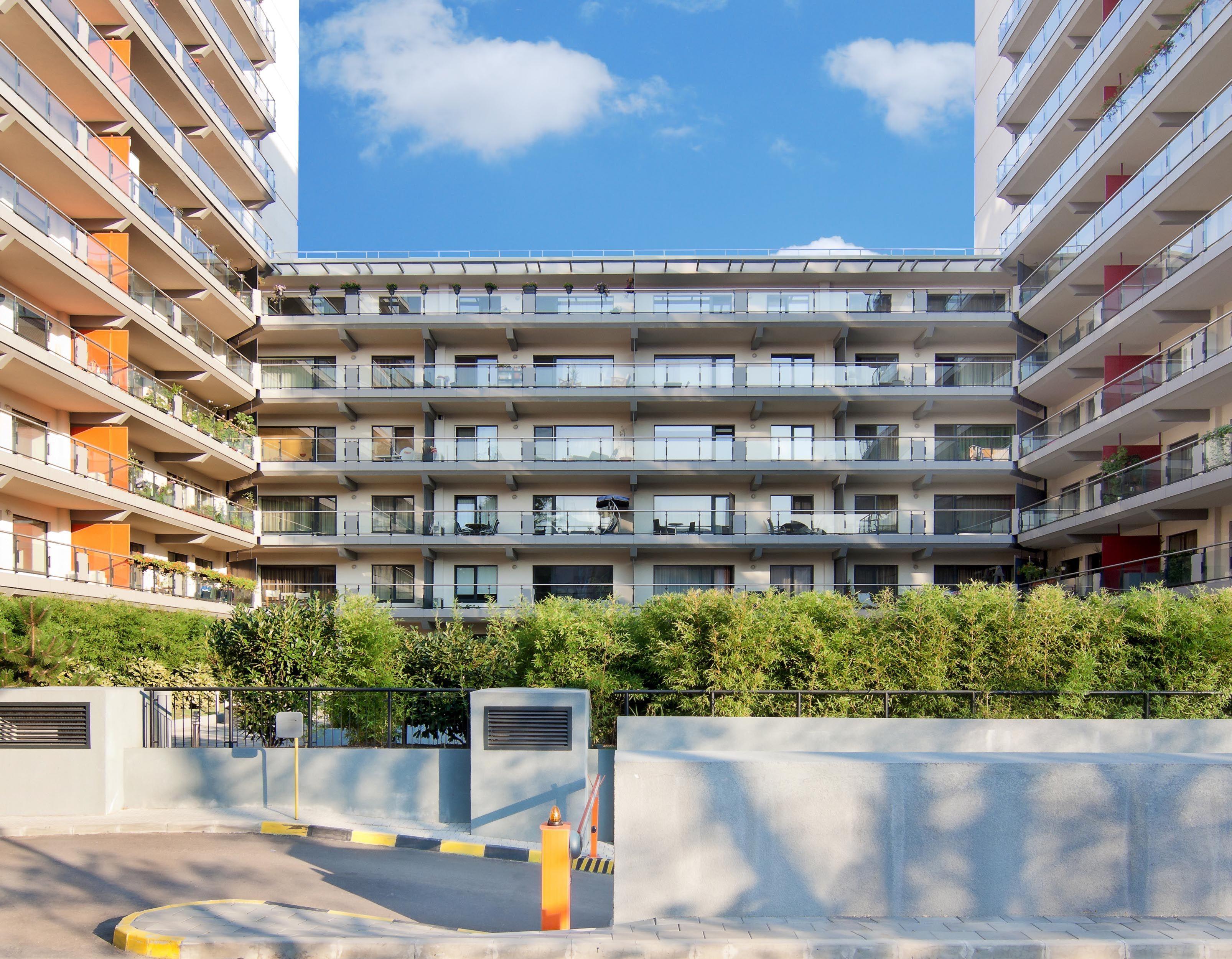 New Town Residence Bucuresti Ofertă Specială Promotia Verii Apartamente De La 60 000 Euro Tva 5 In Conditiile Building Multi Story Building Structures