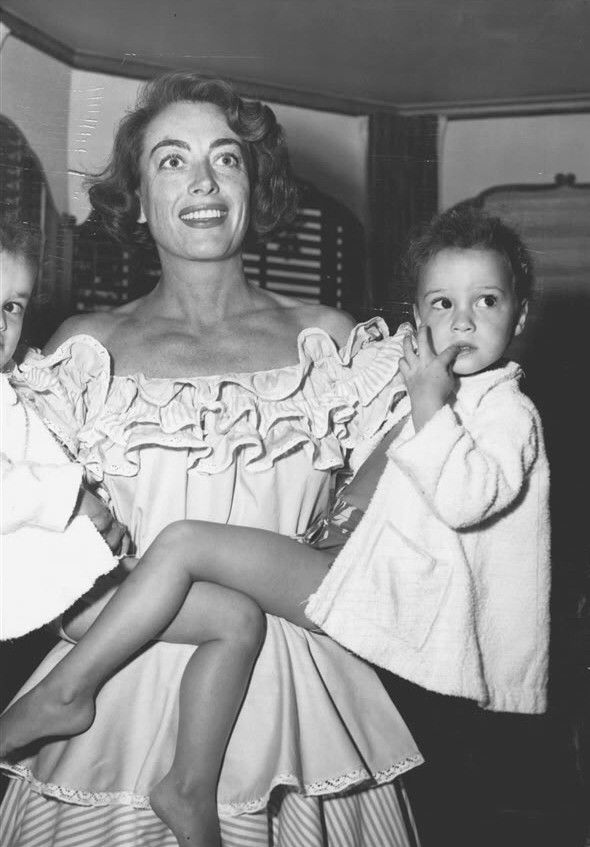 Joan and the twins, 1950's (With images) | Joan crawford ...