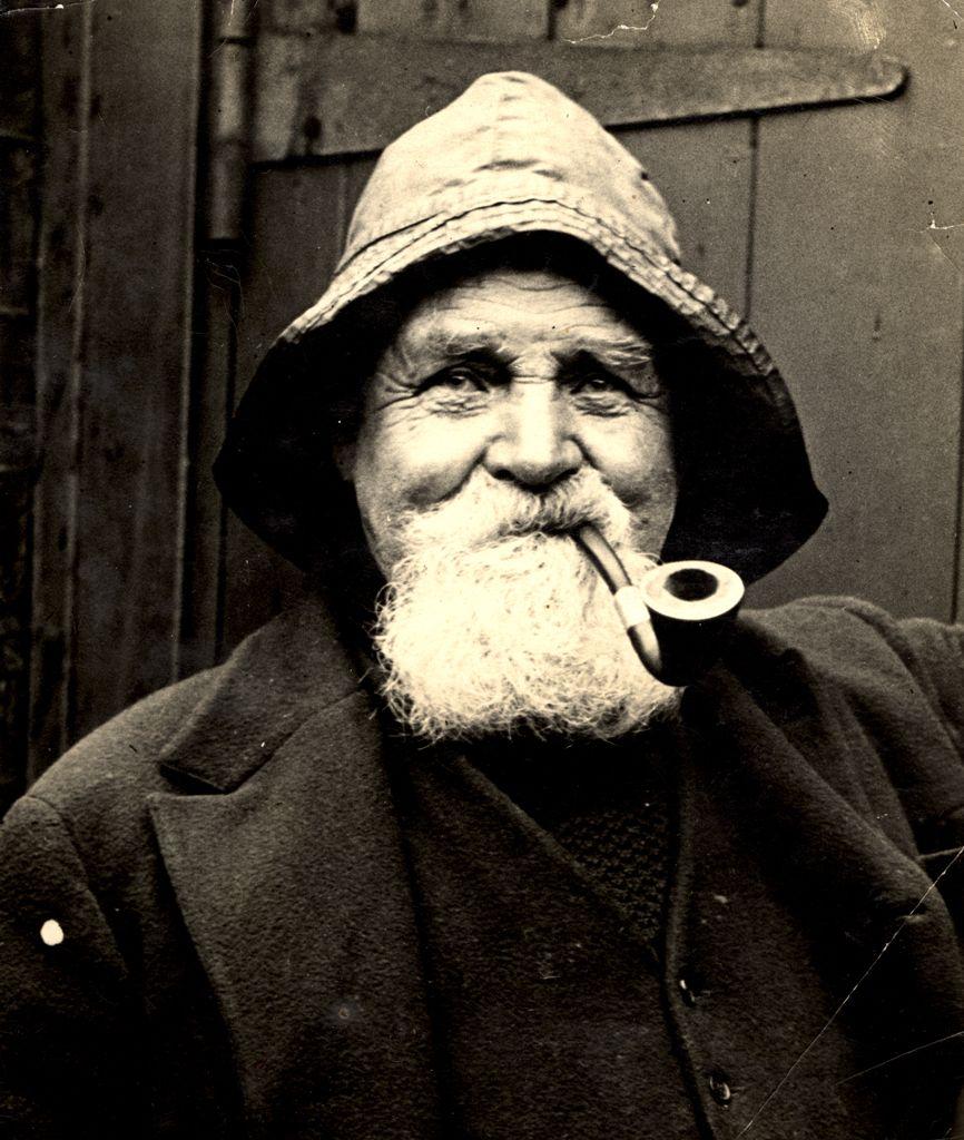 old sailor - Поиск в Google | Капитан судна, Мужские лица ...
