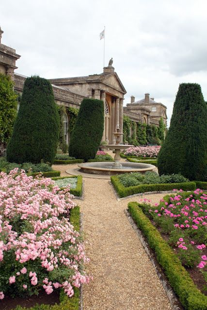 Madelief The Man In The Painting Beautiful Gardens Garden Design Formal Gardens
