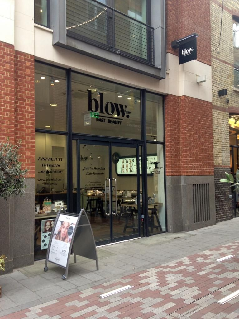 Blow Ltd Covent Garden The Blow Dry Bar With Hair In 30mins Featured On The Pho Diaries Covent Garden Bars Covent Garden London Covent Garden