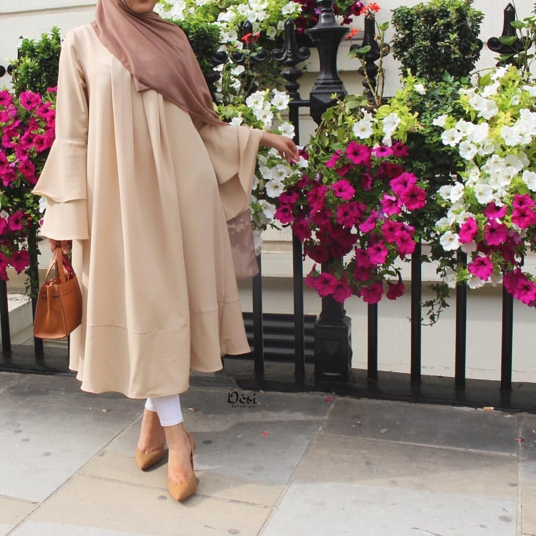 Zaynah On Instagram Trying To Make The Most Of Summer Fashion Even Though The Sun Has Disappeared Hijab Mode Inspiration Hijab Stile Muslimische Frauen Mode