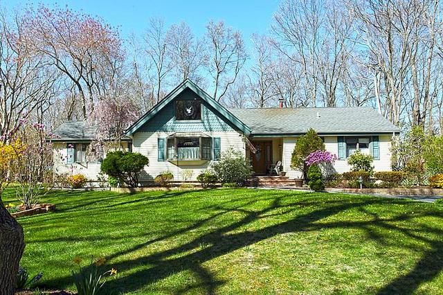 Hollywood Ranch Home in Southold, Eastern Long Island, NY