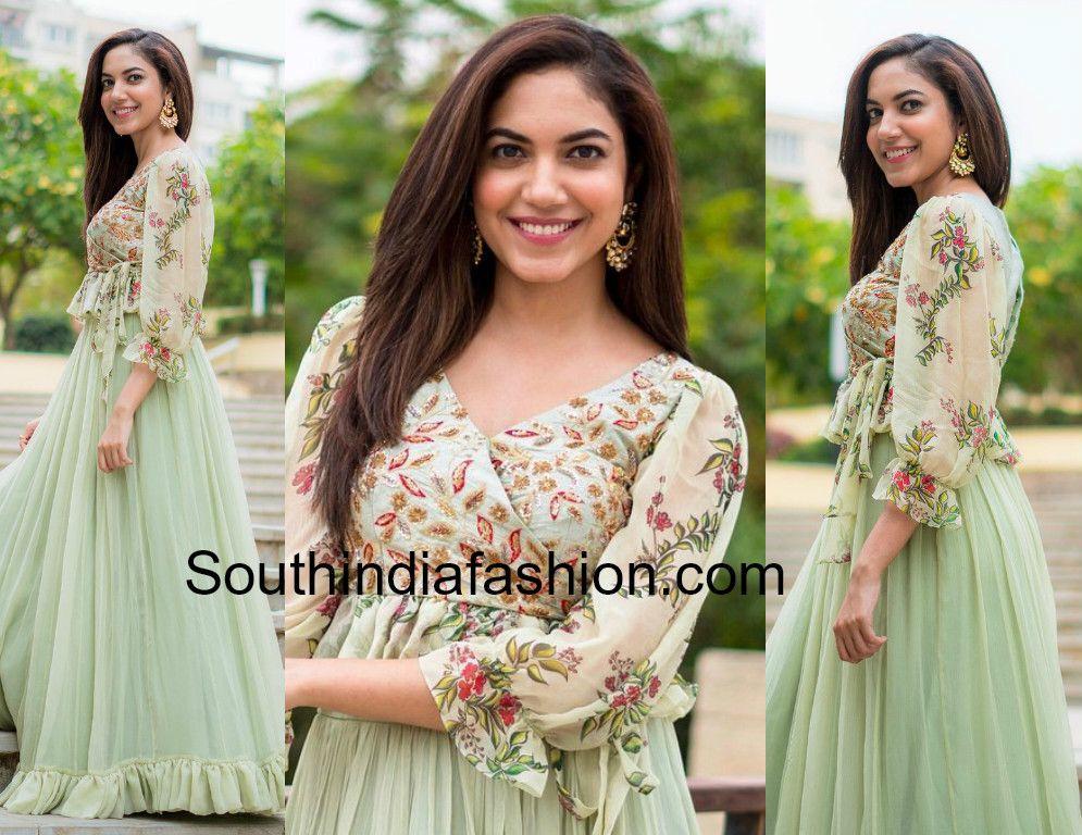 0fc3e591d8 Ritu Varma Looked Pretty in Mrunalini Rao at Her Cousin's Sangeet ...