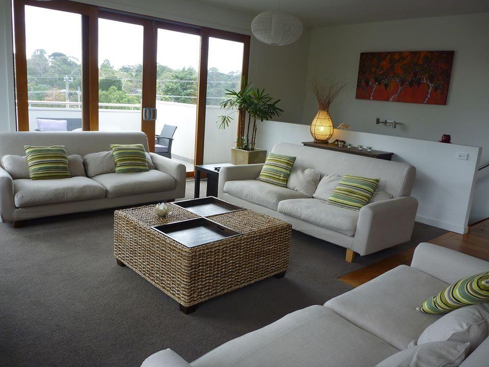 Comfort Works makes custom sofa slipcovers for