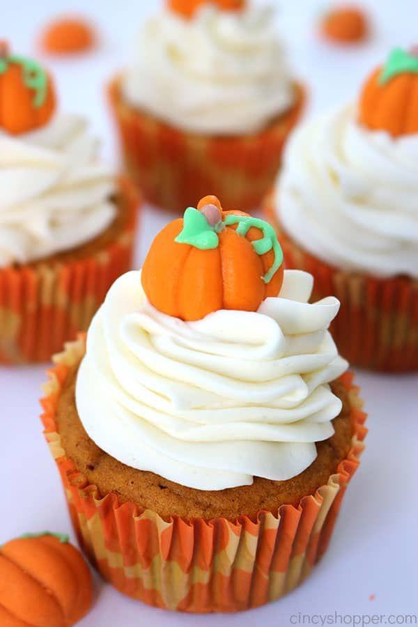 Easy Pumpkin Cupcakes #pumpkinspicecupcakes
