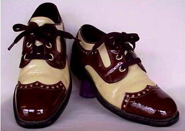 34e4fadccdb12 Men's Vintage 1970's Wingtips | Outfits I Love! in 2019 | 70s shoes ...