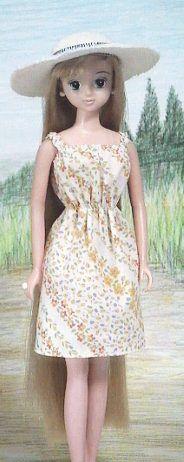 シャーリング サンドレス パプペポ 着せ替え人形の手作り服の作り方 手作り服 サンドレス 人形の服