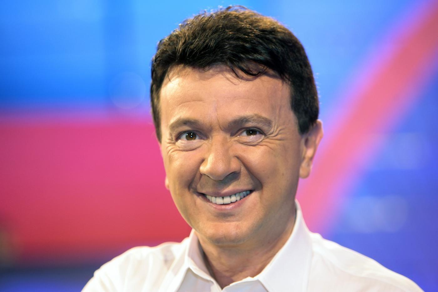 """MILANO Il cantante Pupo spiazza tutto i radioascoltatori mentre viene intervistatodurante il programma di Radio 24""""La Zanzara"""". La vita sessuale di Pupo"""