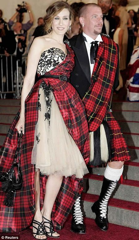 """""""An Oldie but Goodie - SJP and Alexander McQueen at the 2006 Met Costume Institute Benefit - Great Plaid Pattern #fashion"""""""