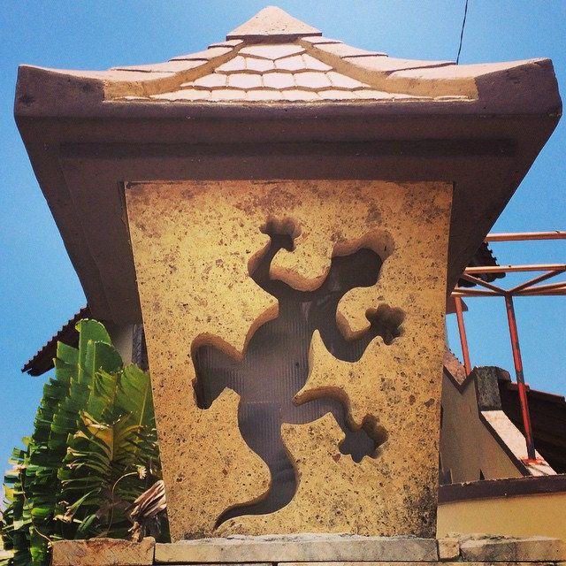 A gecko outdoor lampshade ;-) #upsticksandgo #gecko #lampshade #lombok #indonesia #greenvalley #senggigi #travel #travelphotos #travelgram #travellingtheworld | Flickr - Photo Sharing!