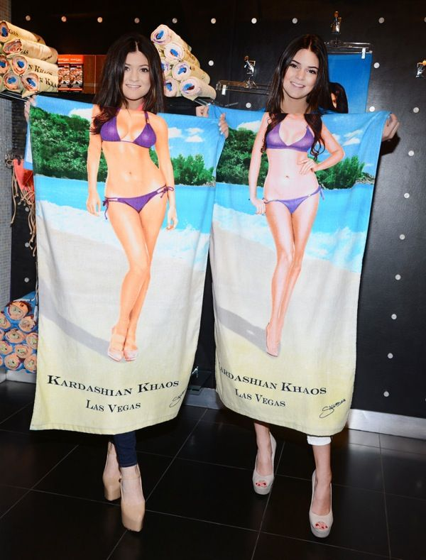 c1e3bf899a Kendall and Kylie Jenner Visit KARDASHIAN KHAOS Inside The Mirage Hotel