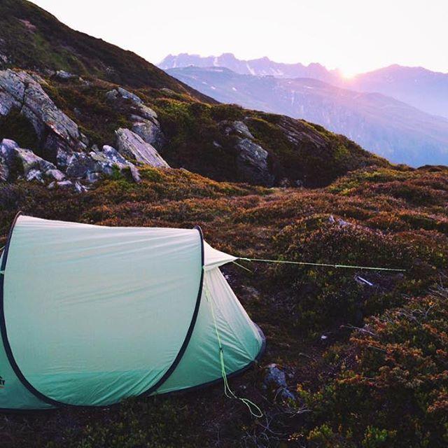 Such an amazing #camping spot in the Austrian #Alpes  #feelaustria #visitvorarlberg #mountainlife #montafon #sunsetlovers