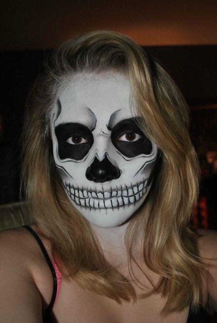 maquillage squelette facile peinture sur visage en noir. Black Bedroom Furniture Sets. Home Design Ideas