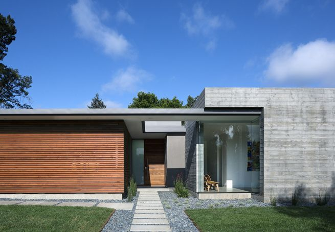 Located in Los Altos, California, Curt Cline\'s modern house seeks to ...