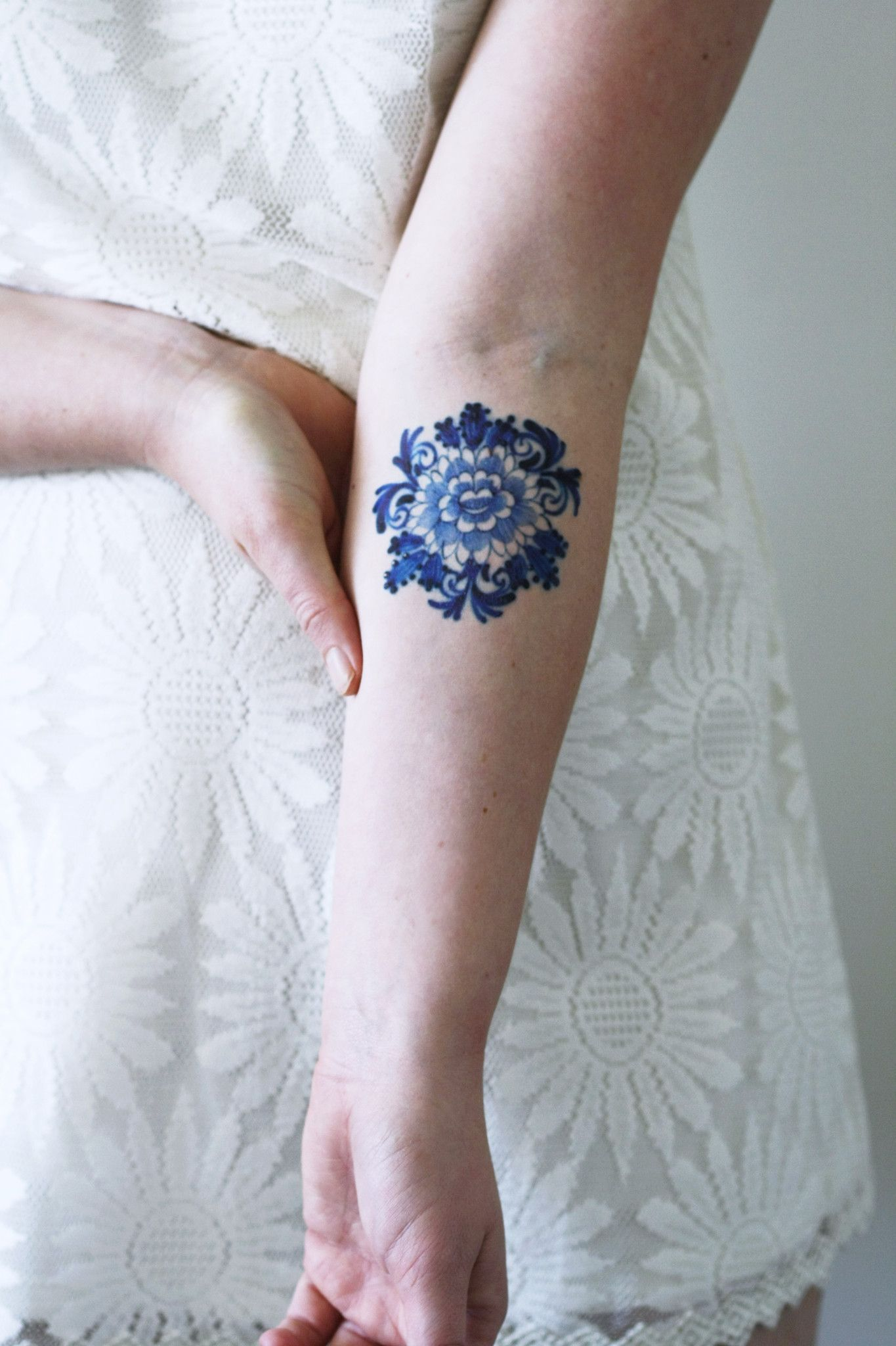 Blue Flower Tattoo Designs: Delfts Blue Round Flower Tattoo