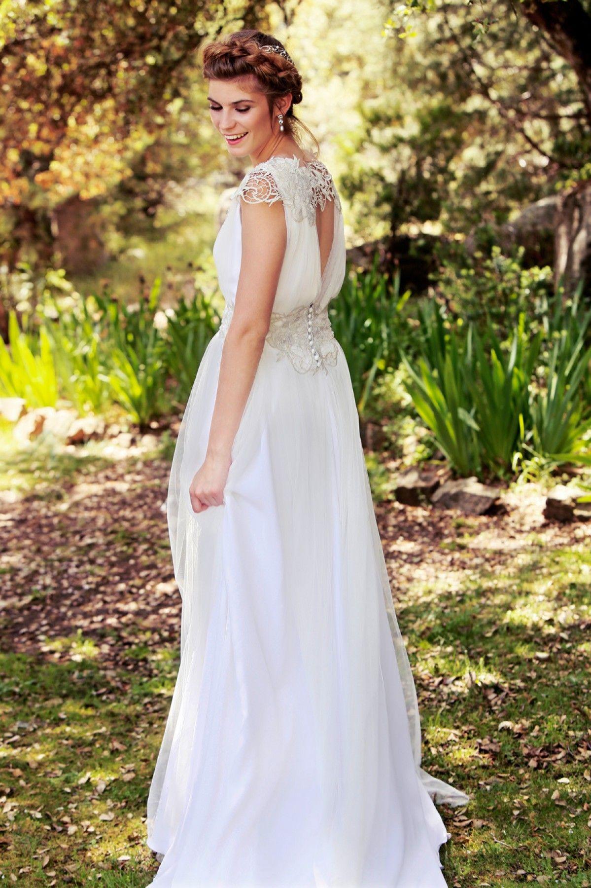 Diseñadora de vestidos de novia personalizados a medida | Vestidos ...