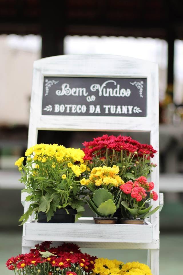 Cavalete com mini flores