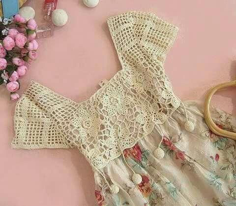 Vestido em crochê e tecido