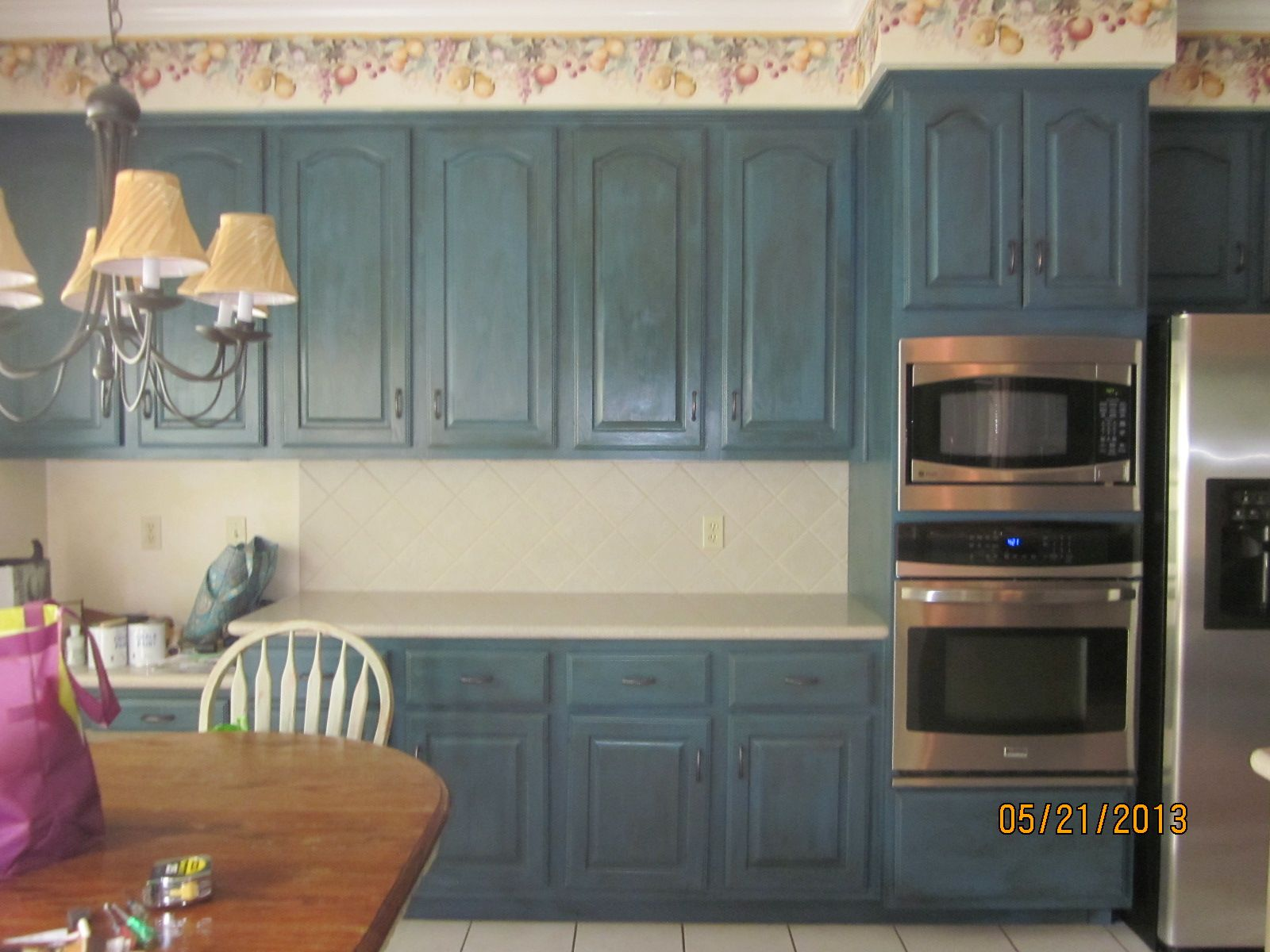 Kitchen Cabinets Painted She Used Annie Sloan Chalk Paint Aubusson Blue With Dark Wax Over It Kitchen Diy Makeover Diy Kitchen Cabinets Kitchen Cabinets