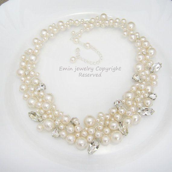 Wedding Jewelry - Beautiful ivory pearl statement necklace