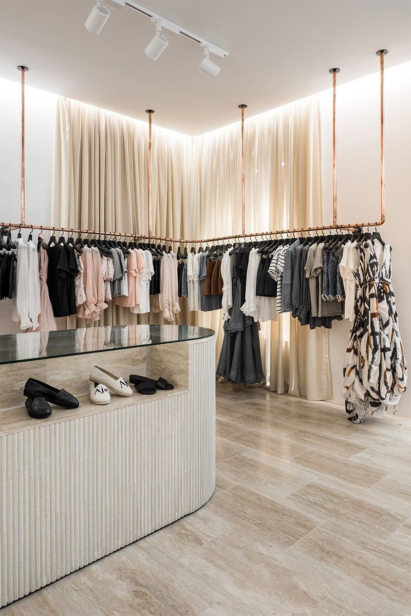 45 Best Ideas Boutique Displays And Visual Merchandising Many Retail Stores And Hospitality Venues Store Design Boutique Store Interiors Store Design Interior