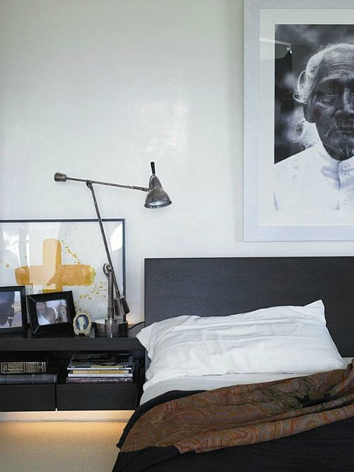 Black and white bedroom with a hotel feel to it, lovely!