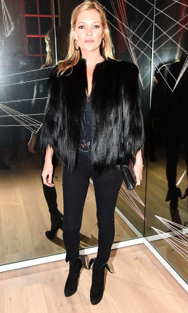 Kate Moss Wows In Head-To-Toe Black
