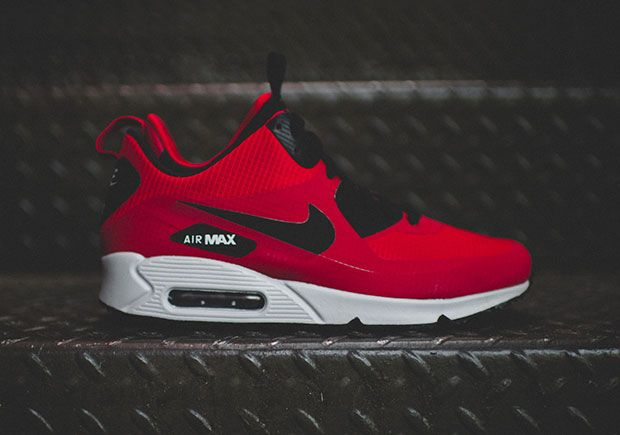 The Air Max 90 Mid Winter Everybody In Chicago Needs Sneakernews Com Nike Running Shoes Women Nike Air Max Nike Free Shoes