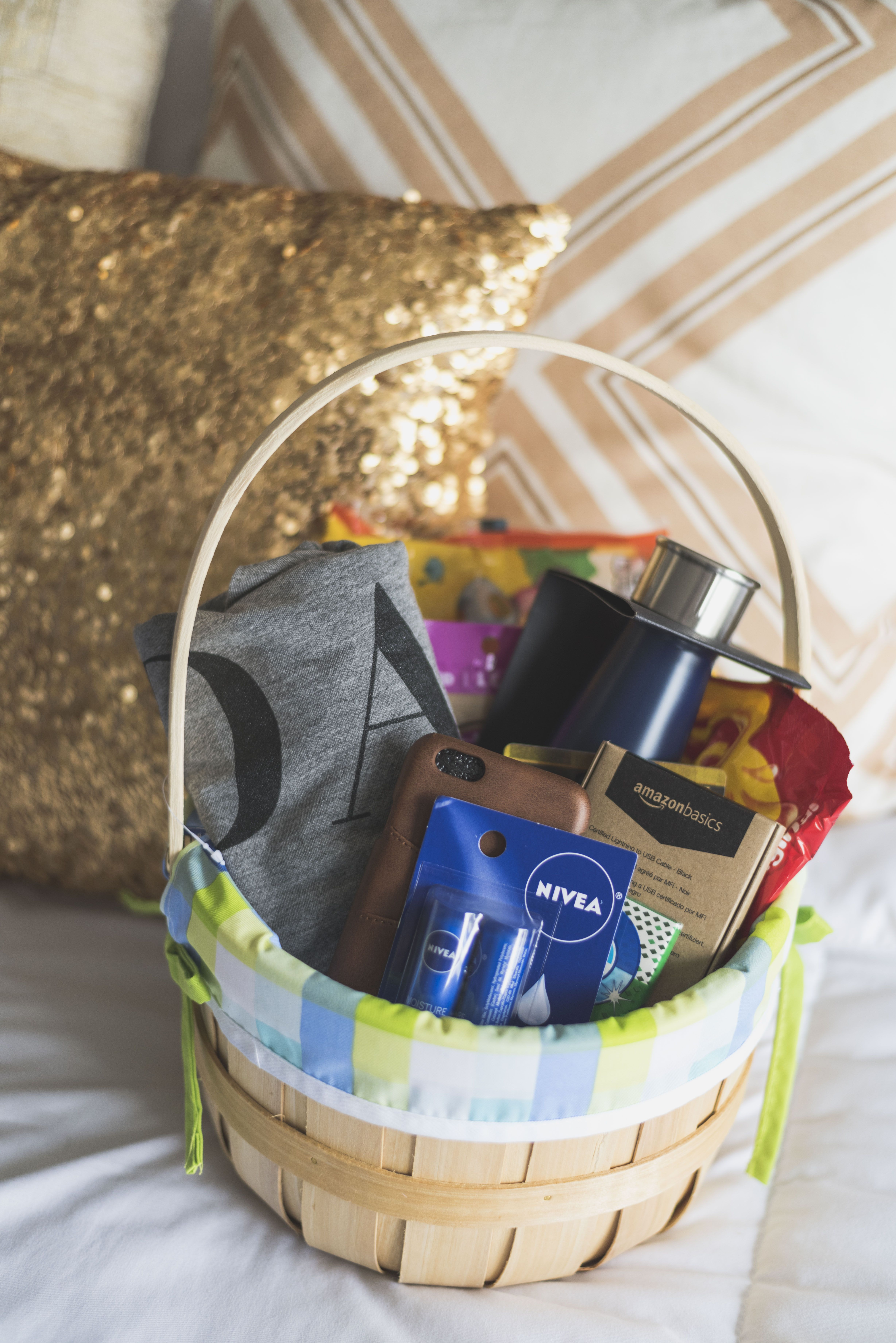 What i put in my hubbys easter basket this year this post has tons what i put in my hubbys easter basket this year this post has tons of small gift ideas under 50 that are perfect for that special guy in your life negle Image collections