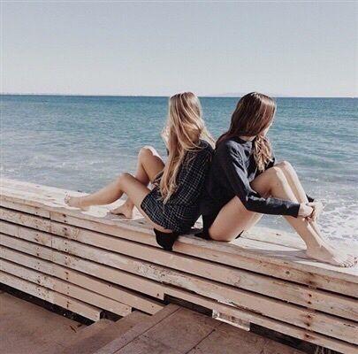 Immagine di girl, friends, and beach Friends, Immagini