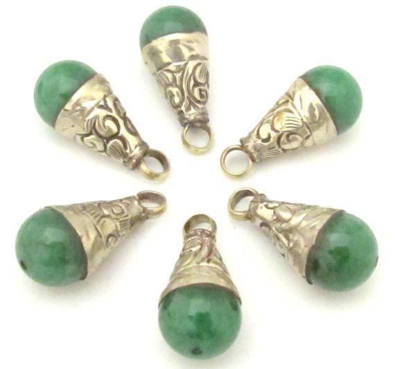 1 Pendant - Tibetan green chalcedony gemstone small size drop pendant 25 - 26 mm long - PM368