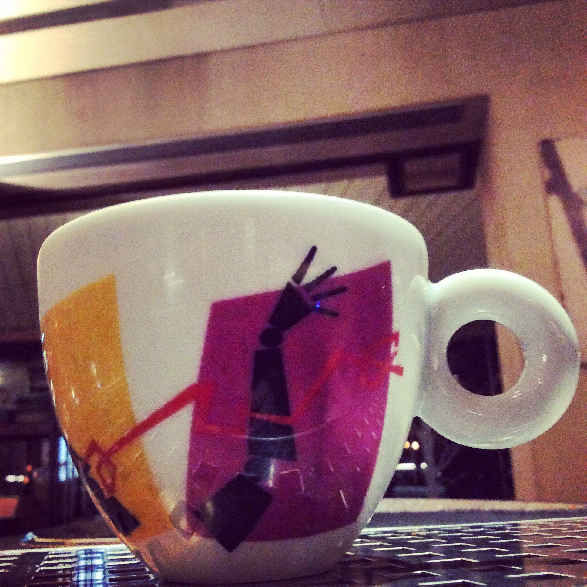 #Breezecafe#illy#illycafe#illyartcollection#pedroalmodovar#cappuccino#espresso#cafe#coffee