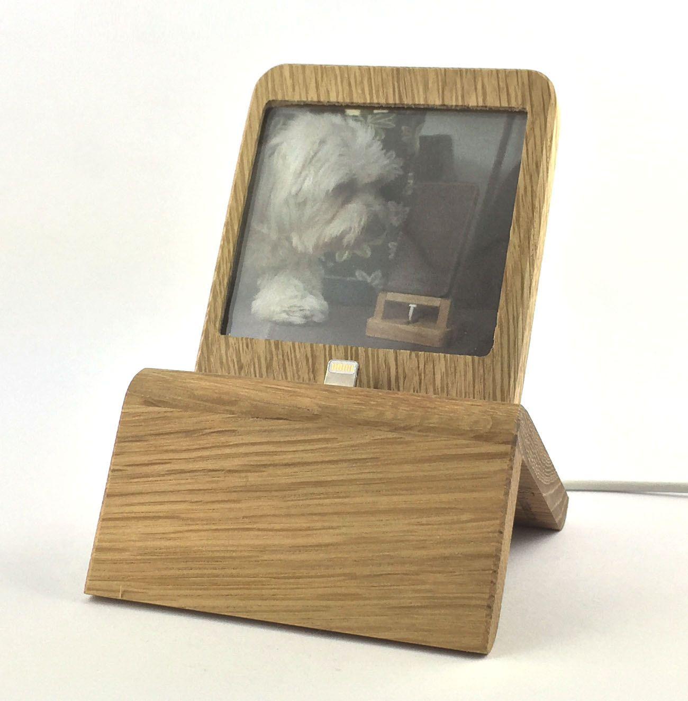 iPhone Dock m. Foto-Rahmen (Eiche) für iPhones 5/5S/6/6S/Plus/SE mit und ohne Schutzhülle von WoodDesignAltstaedt auf Etsy