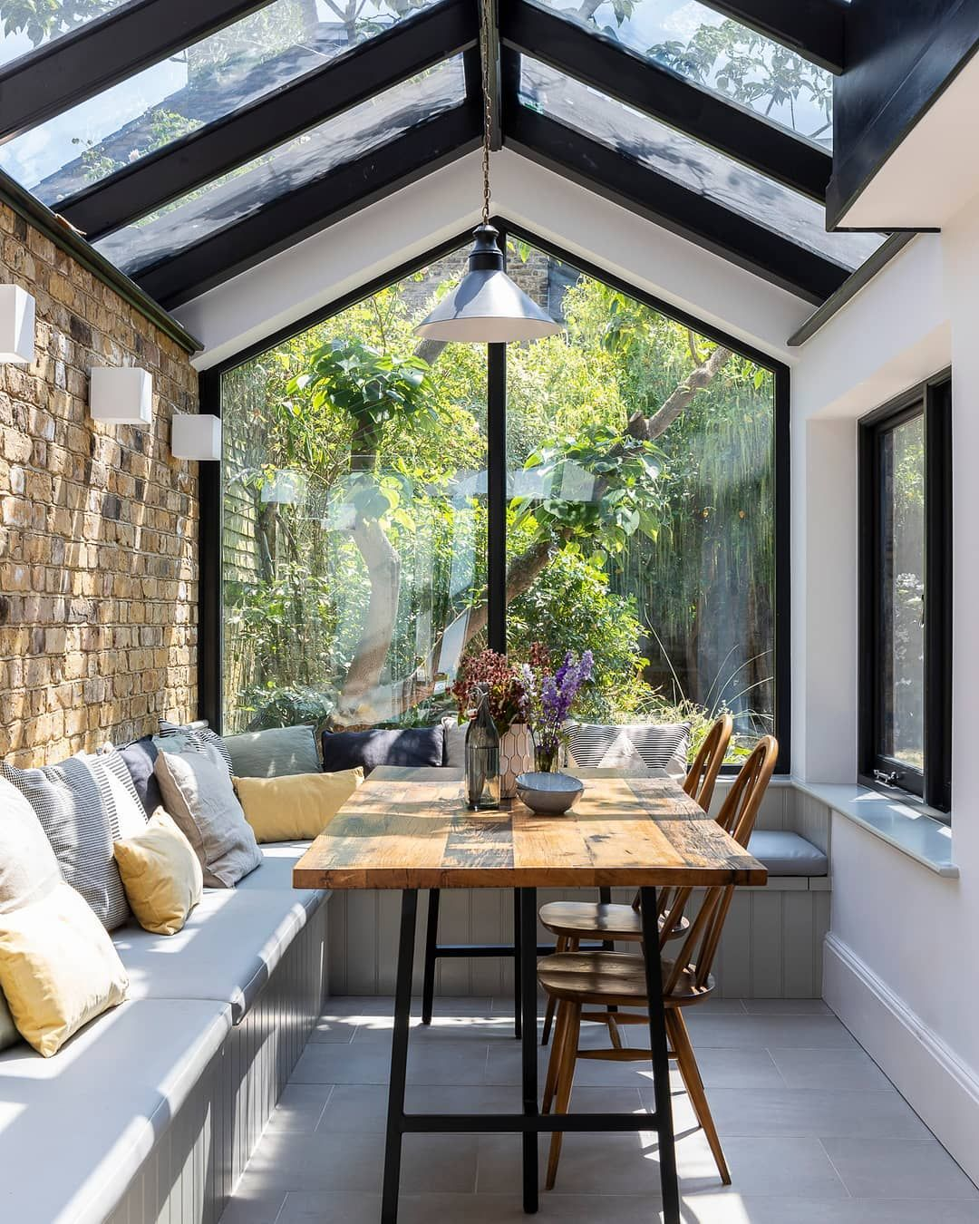 Houzz Home Design Ideas:  Houzz UK And Ireland On Instagram: Light Pours In Through
