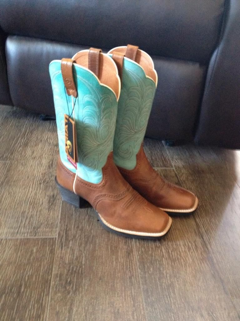 Boots, Cowgirl boots, Western cowboy boots