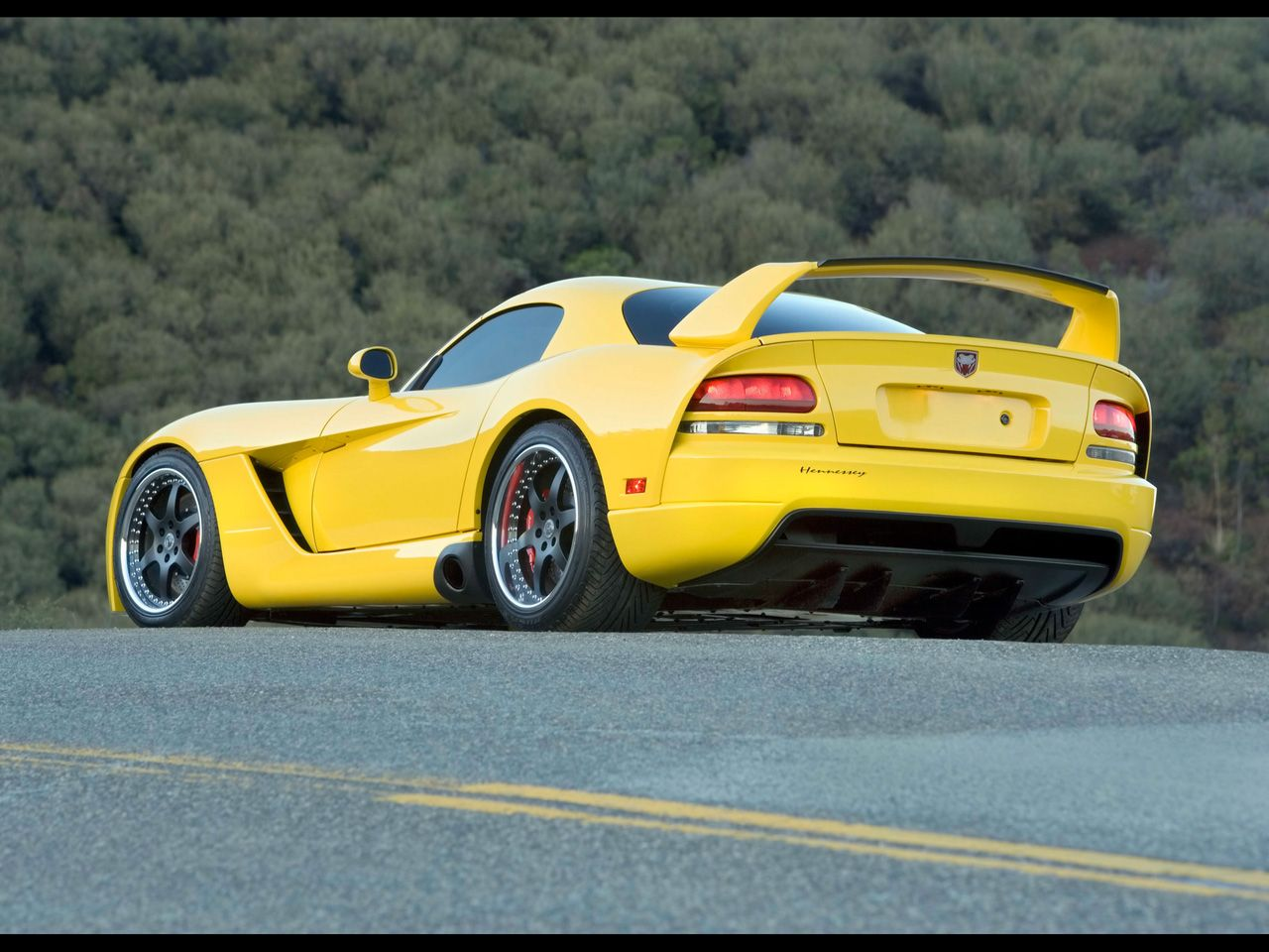 hennessey dodge viper yellow and still looks fast httpextreme modified venomdodge vipermopartwin turbocool